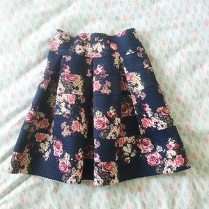 Pleated Blue pink floral mini skirt